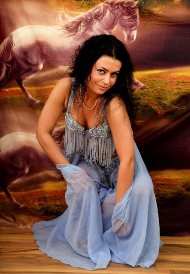 Екзотична танцьорка (снимка)
